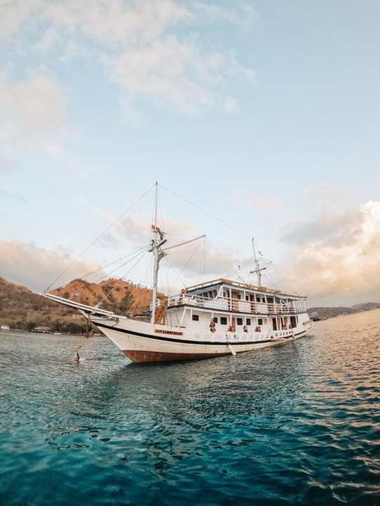 charter-boat-lamborajo-1-i