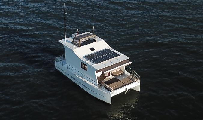 nyaman-catamaran-full-view