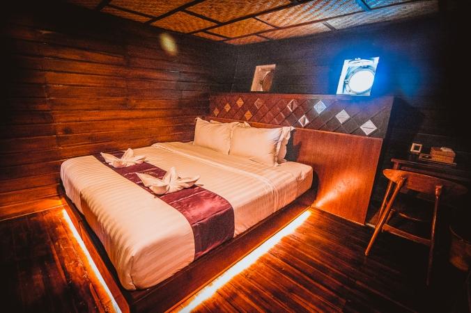 neomi lower deck cabin